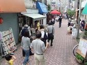 「高円寺・本の五月祭」盛況、あづま通りがにぎわう
